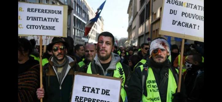 Acte-XII-les-Gilets-jaunes-dénoncent-les-violences-policières-dont-ils-estiment-faire-l'objet-201902031-1728x800_c